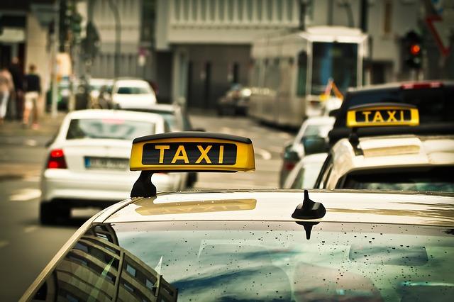 taxi na silnici