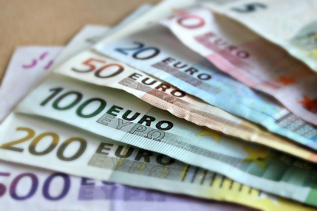 bankovky papírové peníze