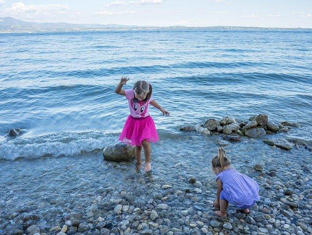 holky na pobřeží
