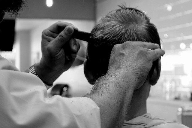zkracování vlasů
