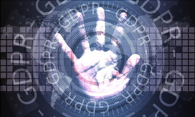 ruka a okolo ní nápis GDPR