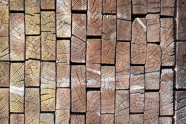 Dřevěné hranoly pro obrábění