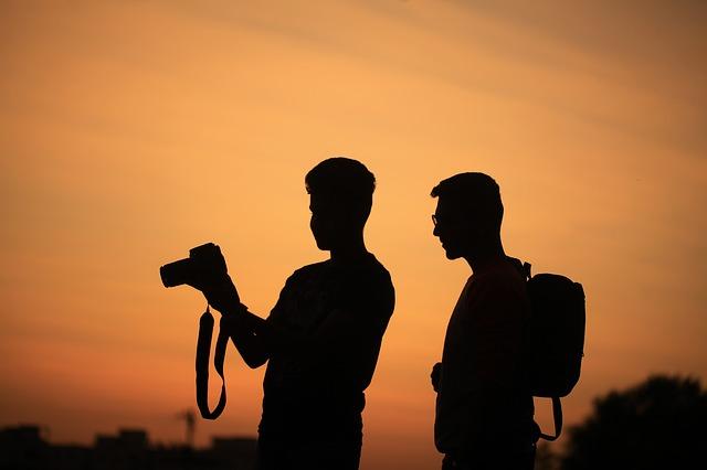fotící muži.jpg