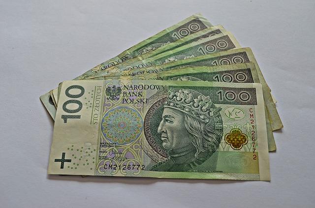 600 zlotych - bankovky