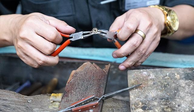 ruční výroba šperku